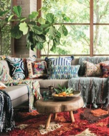 Cozy Bohemian Living Room Design Ideas 21