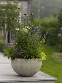 Cozy Decorative Garden Planters Design Ideas 05