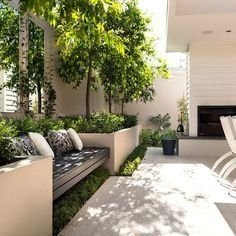 Cozy Decorative Garden Planters Design Ideas 15