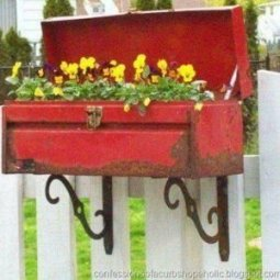 Cozy Decorative Garden Planters Design Ideas 37