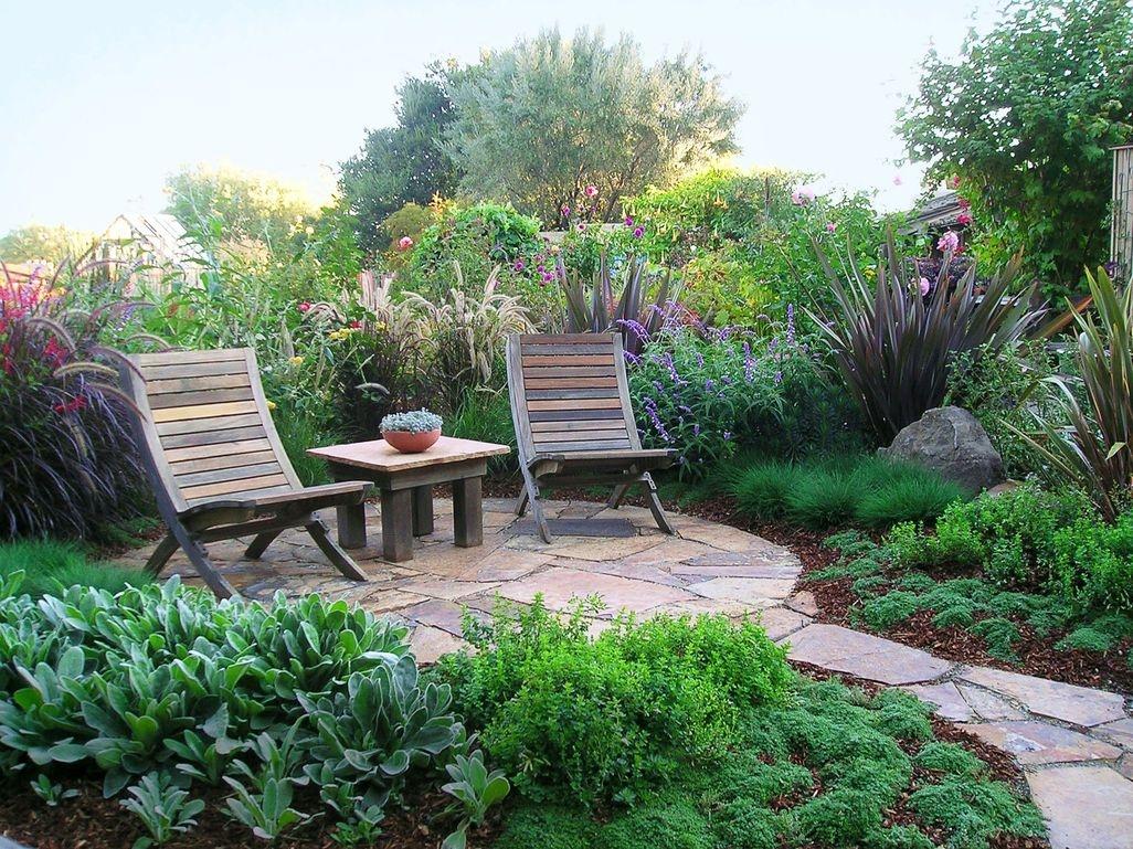 Creative DIY Patio Gardens Ideas On A Budget 39