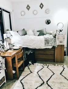 Efficient Dorm Room Organization Decor Ideas 11