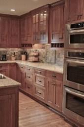 Elegant And Modern Kitchen Cabinet Design Ideas 20