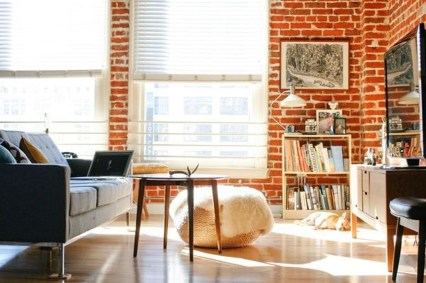 Elegant Exposed Brick Apartment Décor Ideas 20