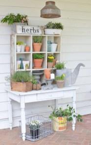 Elegant Farmhouse Garden Décor Ideas 12