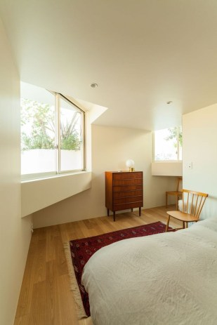Modern But Simple Japanese Styled Bedroom Design Ideas 18