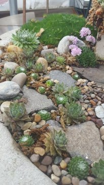 RSimple Rock Garden Decor Ideas For Front And Back Yard 44