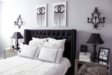Relaxing Black And White Apartment Décor Ideas 18