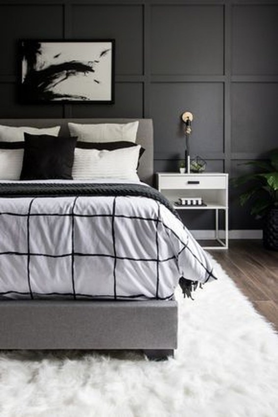 Relaxing Black And White Apartment Décor Ideas 46