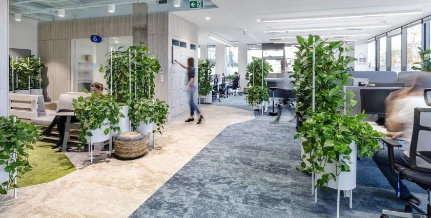 Relaxing Green Office Décor Ideas 27