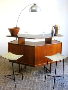 Stunning Mid Century Furniture Ideas To Makes Your Room Have Vintage Touch 05