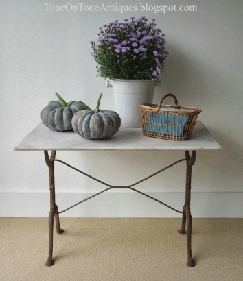Awesome French Farmhouse Fall Table Design 26