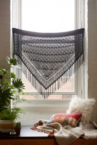 Best Ideas To Decorate Your Big Window 38