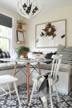 Comfy And Casual Farmhouse Home Design Ideas 09