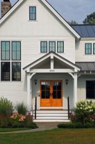 Comfy And Casual Farmhouse Home Design Ideas 22