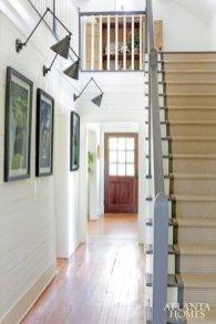 Comfy And Casual Farmhouse Home Design Ideas 23