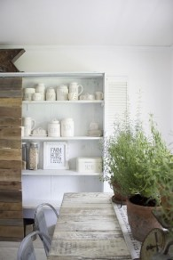 Comfy And Casual Farmhouse Home Design Ideas 29