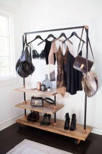 Cozy Small Apartment Bedroom Remodel Ideas 43