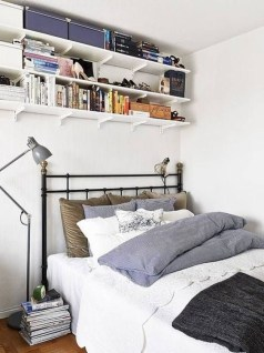 Cozy Small Apartment Bedroom Remodel Ideas 46