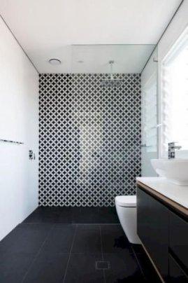 Luxury Black And White Bathroom Design Ideas 18