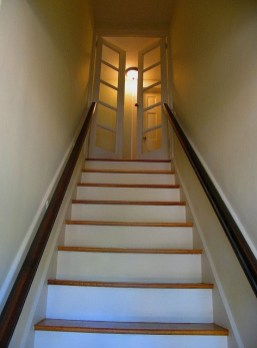 Unique Staircase Landings Featuring Creative Use Of Space 33