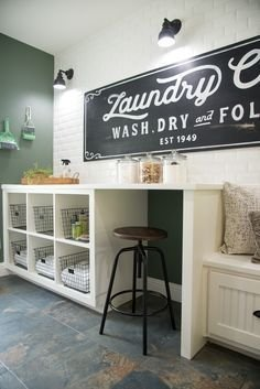 Amazing Diy Laundry Room Makeover With Farmhouse Style Ideas 24