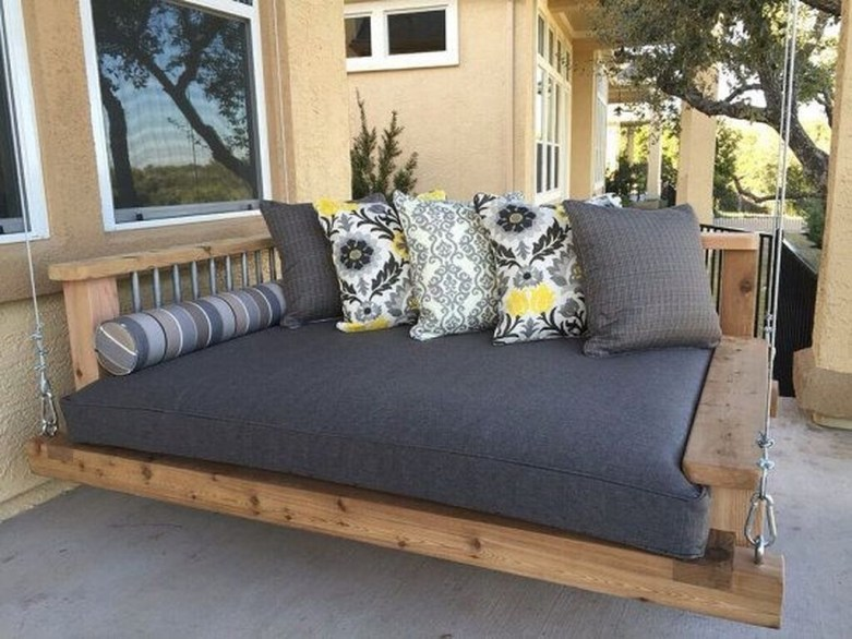 Best Ways To Create A Relaxing Porch Ideas For Big Family 33