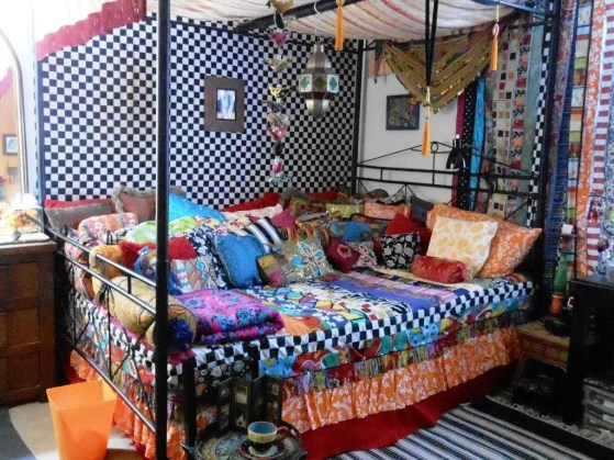 Comfy Boho Bedroom Decor With Attractive Color Ideas 40