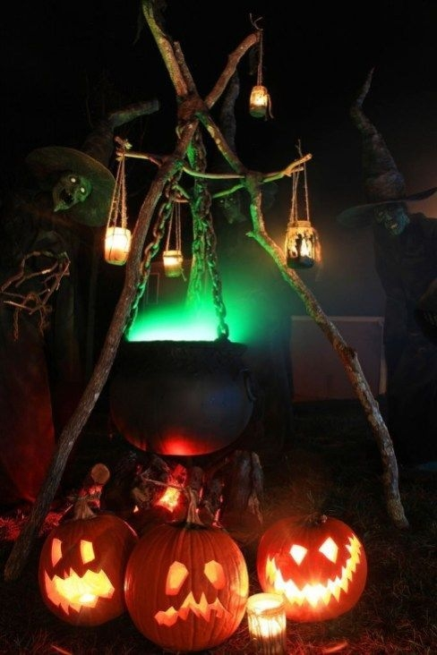 Elegant Diy Halloween Ideas For Outdoor Decoration 16