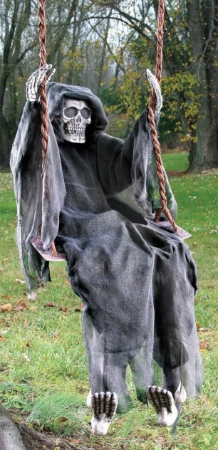 Elegant Diy Halloween Ideas For Outdoor Decoration 22