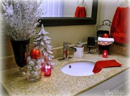 Minimalist Bathroom Winter Decoration Ideas 34