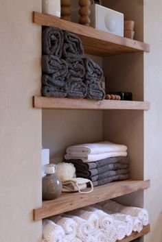 Minimalist Small Bathroom Storage Ideas To Save Space 15