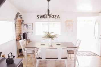 Stylish Fall Home Decor Ideas With Farmhouse Style 23