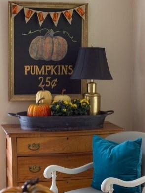 Stylish Fall Home Decor Ideas With Farmhouse Style 35