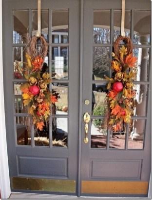 Unique Fall Front Door Decor Ideas 17