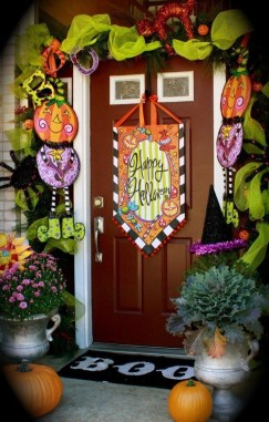 Unique Fall Front Door Decor Ideas 34