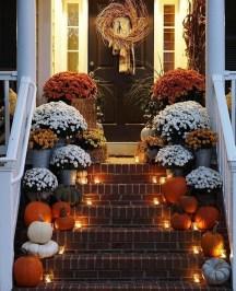 Unique Fall Front Door Decor Ideas 37