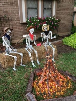Unique Halloween Home Décor Ideas 29