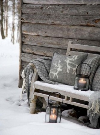 Unique Winter Decoration Ideas Home 26