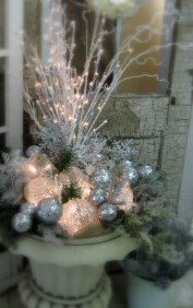Awesome Christmas Decor For Outdoor Ideas 04