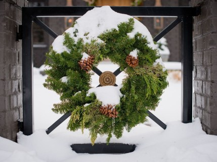 Awesome Christmas Decor For Outdoor Ideas 11