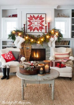 Creative Rustic Christmas Fireplace Mantel Décor Ideas 08