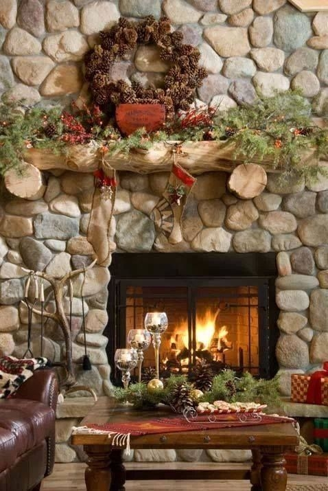 Creative Rustic Christmas Fireplace Mantel Décor Ideas 44