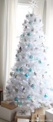 Easy Christmas Tree Decor With Lighting Ideas 05