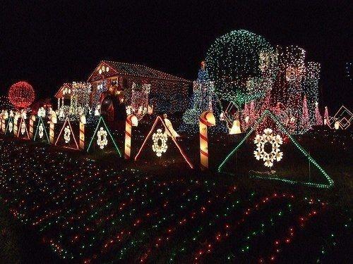 Extraordinary Outdoor Light Christmas Ideas 10