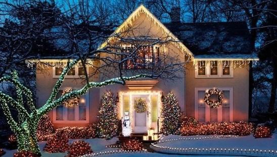 Extraordinary Outdoor Light Christmas Ideas 18