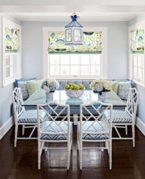 Luxurious Small Dining Room Decorating Ideas 35