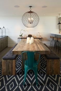 Luxurious Small Dining Room Decorating Ideas 36