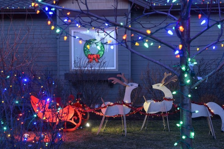Marvelous Outdoor Lights Ideas For Christmas Decorations 38