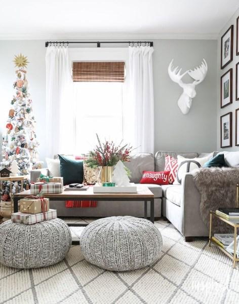 Minimalist Christmas Tree Ideas For Living Room Décor 30